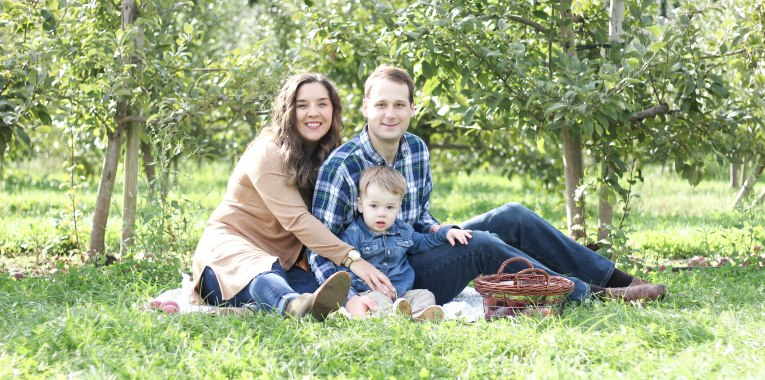 beautiful young family danbury Connecticut Courtney lewis family portrait photography
