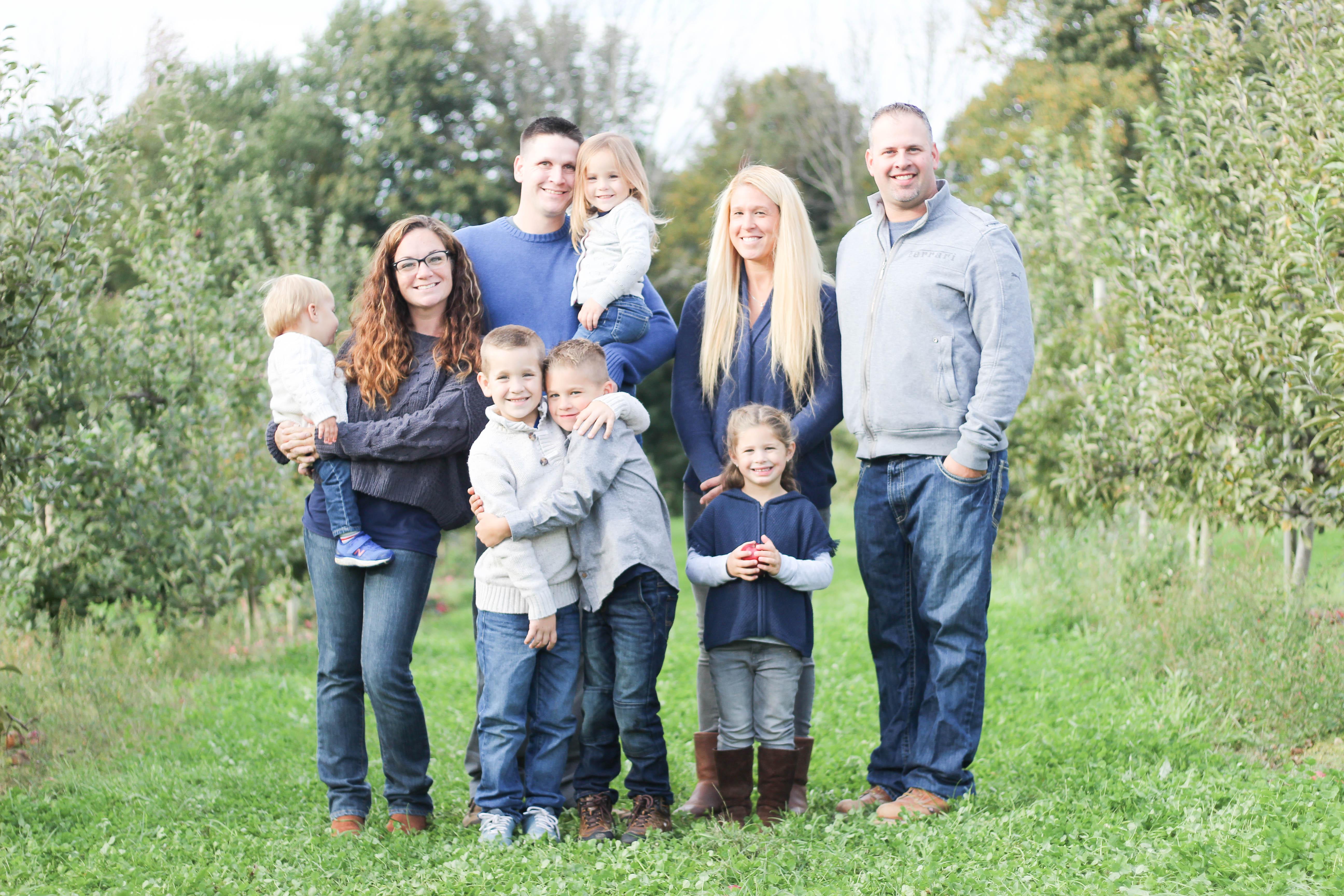 family portrait photography beardsley orchard courtney lewis photography