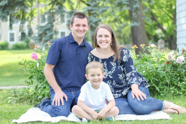 family portrait session boothe memorial park stratford connecicut courtney lewis photography